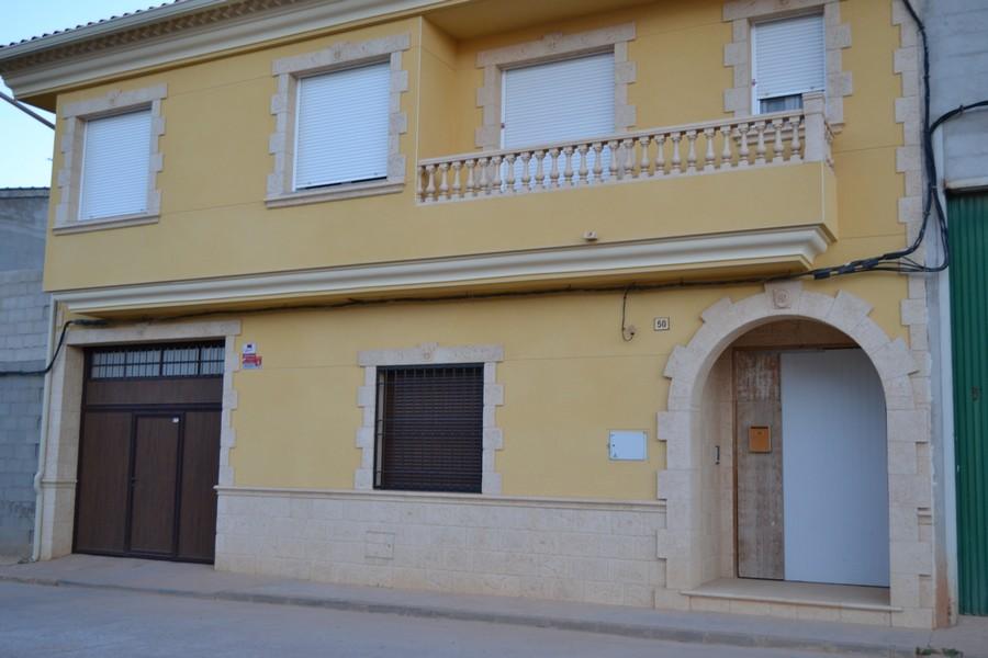 Fachadas con piedra elegant com anuncios de piedra for Zocalo fachada exterior