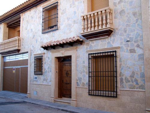 Fachadas galer a de im genes cymavi s l artesan a - Piedra artificial para fachadas ...